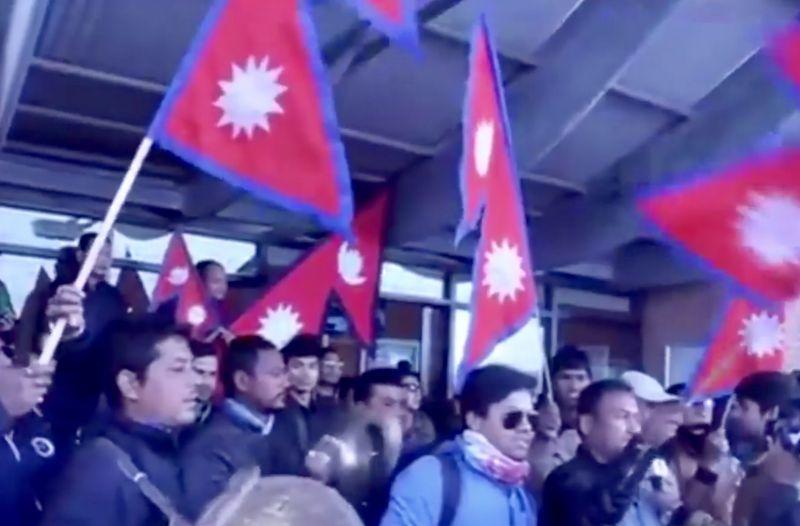 ネパール人の電話事情